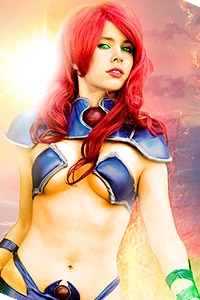 Starfire from Red Hood and the Outlaws / New 52