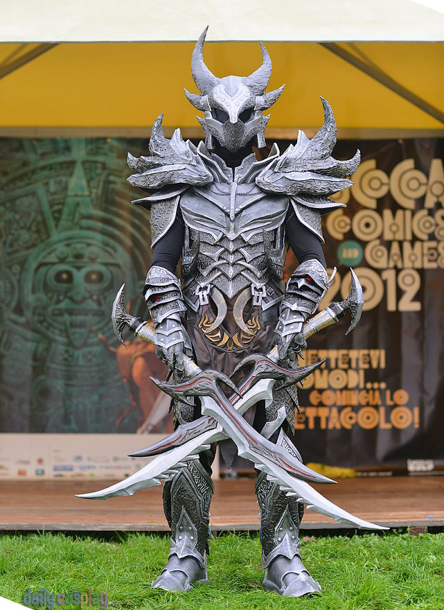 Dovahkiin Daedric Full Armor from The Elder Scrolls V: Skyrim