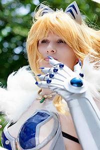 Elina Vance from Queen's Blade