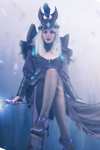 Ravenborn Leblanc from League of Legends