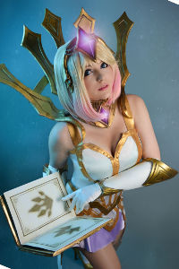 Elementalist Lux from League of Legends