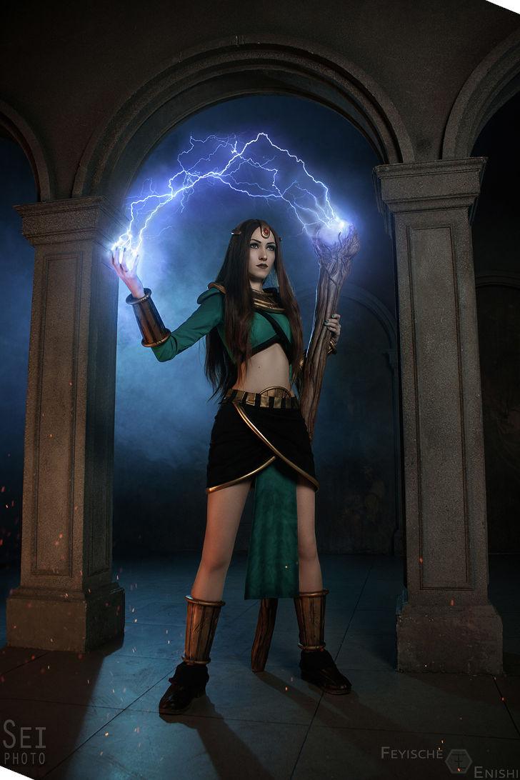 Sorceress from Diablo 2