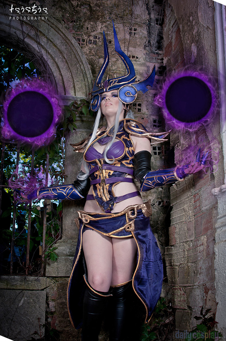 Syndra from League of LegendsLeague Of Legends Syndra Cosplay