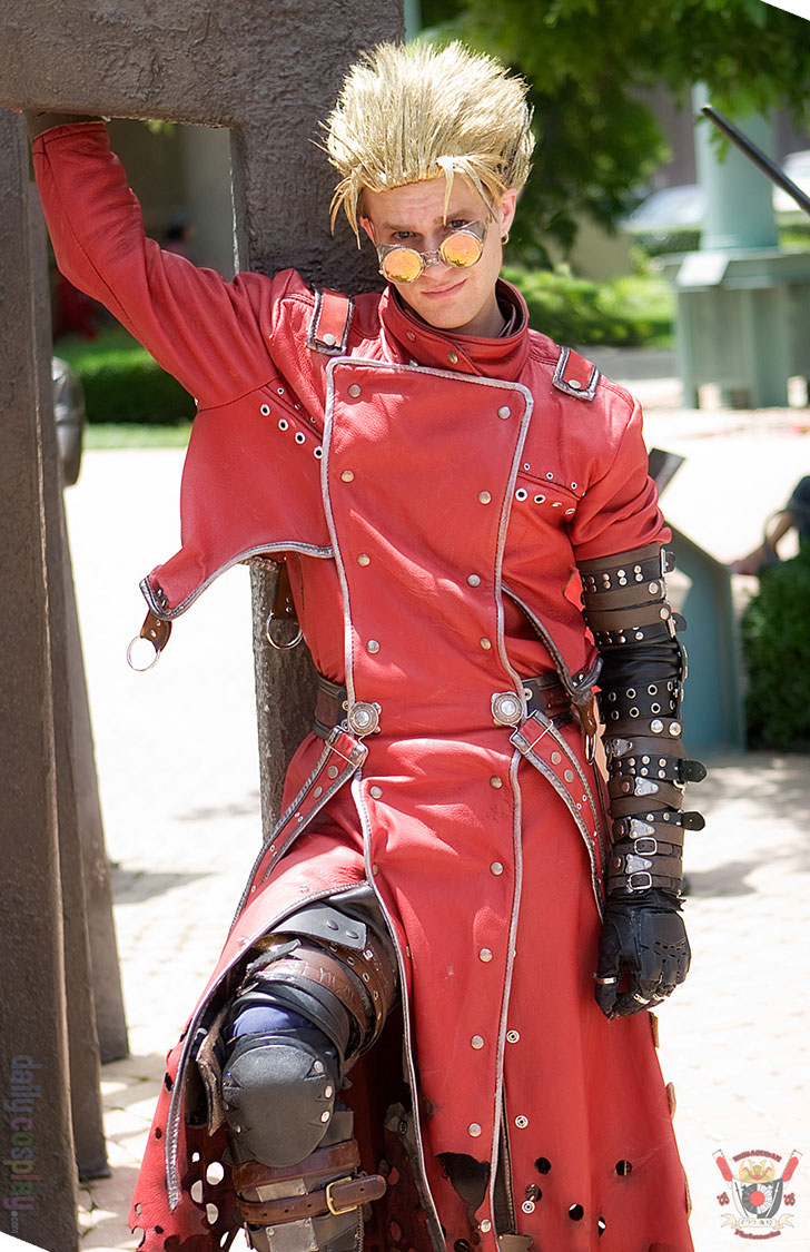 Vash the Stampede from Trigun - Daily Cosplay .com