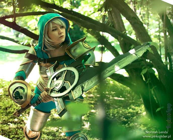 Redeemed Riven from League of Legends - Daily Cosplay  com