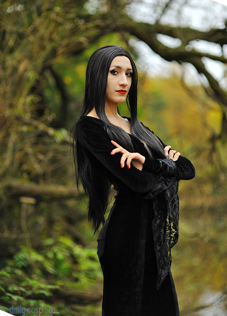 Family roses cutting addams morticia Morticia Addams,