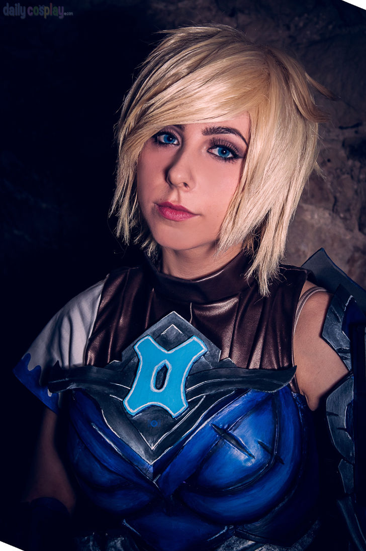 Championship Riven from League of Legends - Daily Cosplay .com