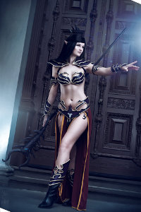 Dark Elf Sorceress from Warhammer