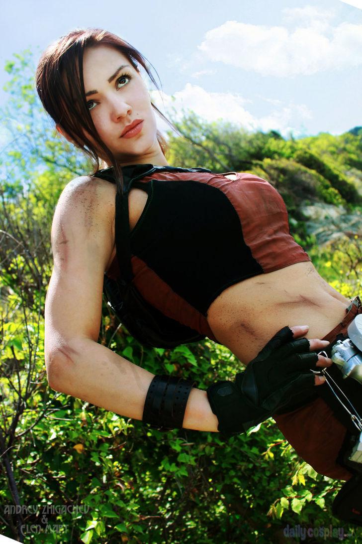 Lara Croft from Tomb Raider: Underworld - Daily Cosplay .com